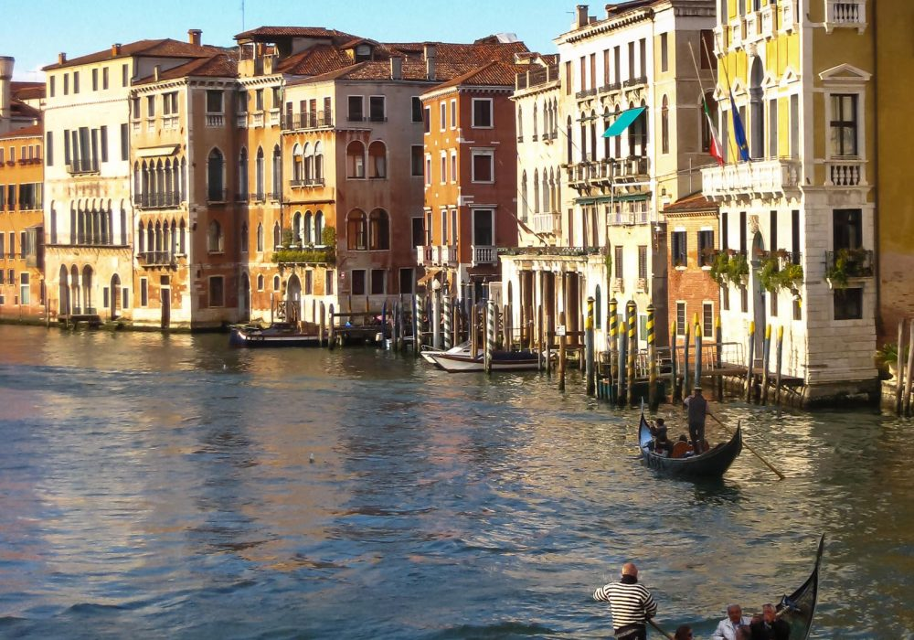 20 Tips to Get to the Heart of Venice
