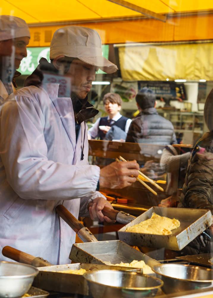 Tsukiji_Fish_Market_Yamacho_Egg_Omelet