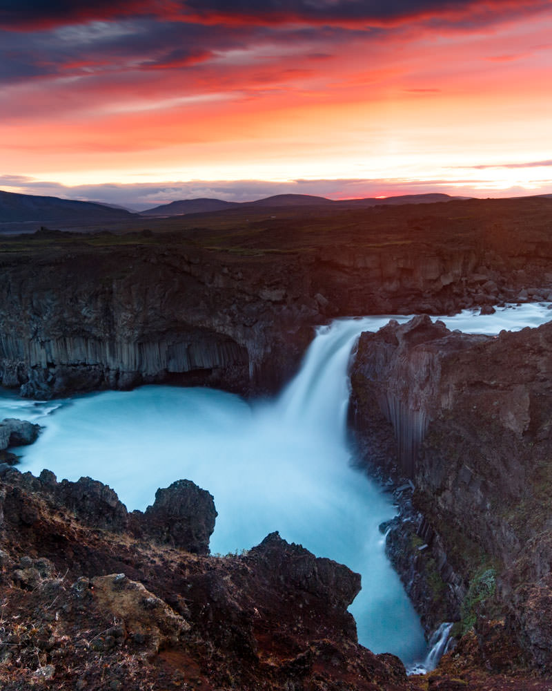 Iceland_Waterfall_Aldeyjarfoss_Sunrise