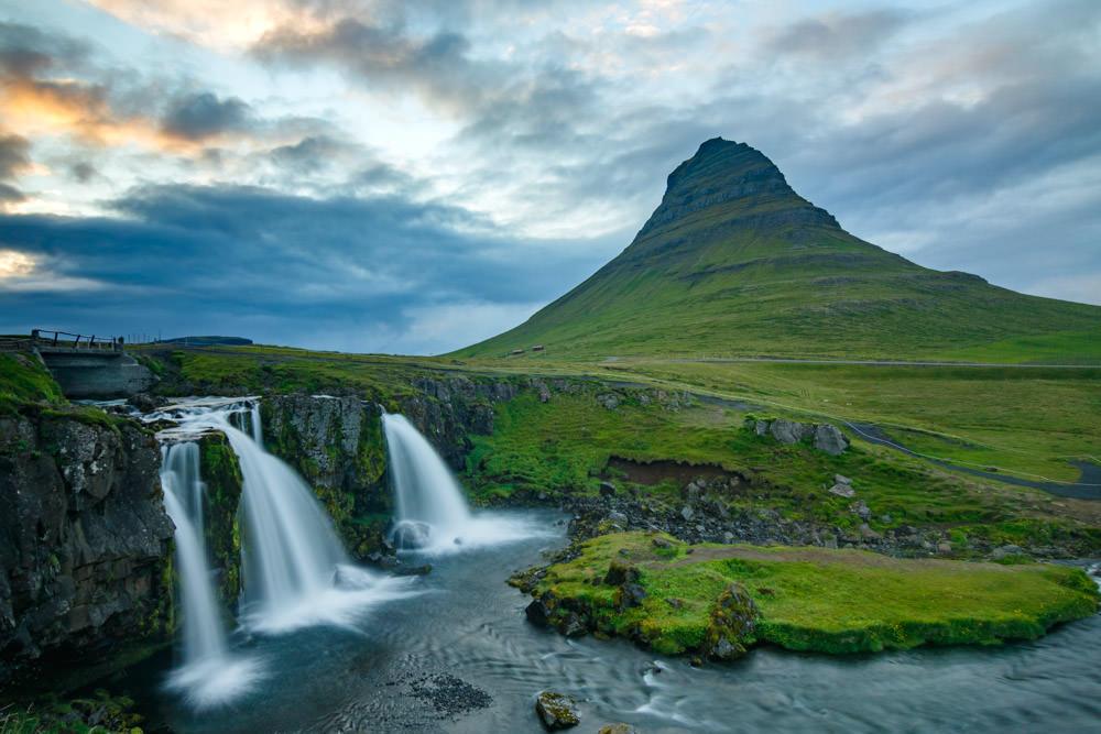 Iceland_Waterfall_Kirkjufell