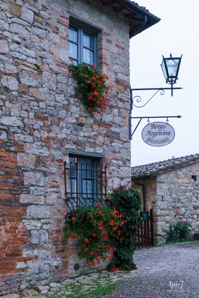 Tuscany_Borgo_Argenina_Sign
