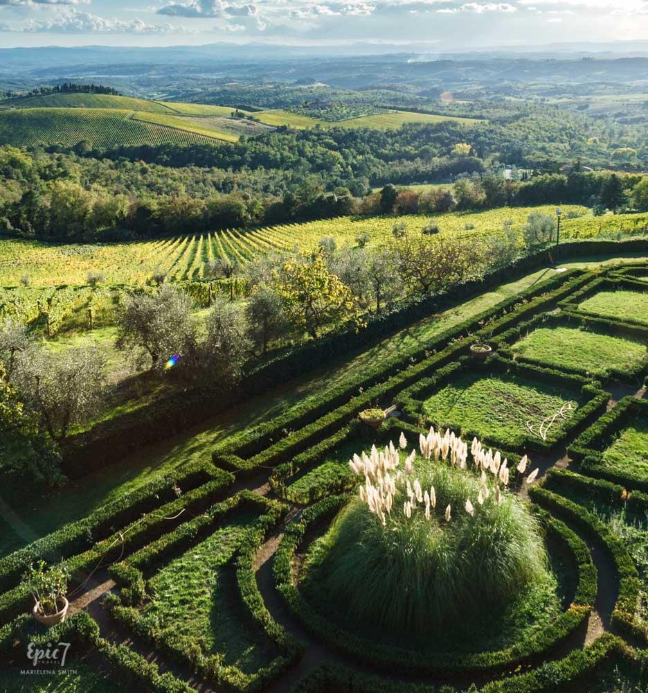 Tuscany_Brolio_Castle_Garden