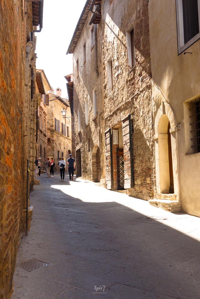 Tuscany_Montepulciano_Street
