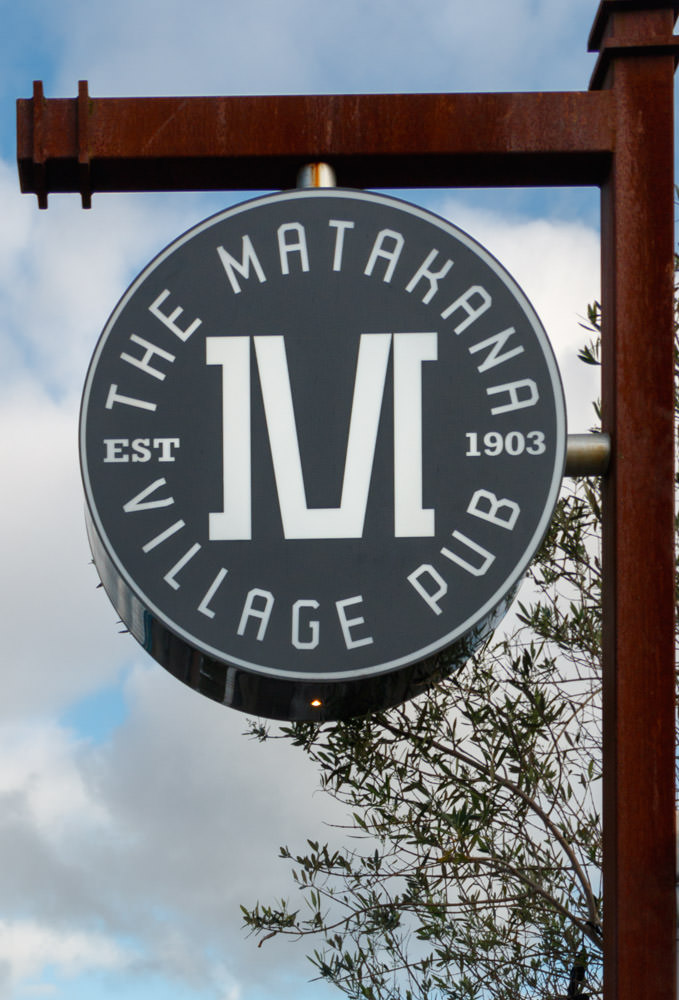 Matakana_Village_Pub