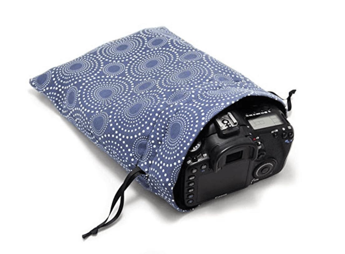 Travel-Gifts_Capturing-Couture-Camera-Tote