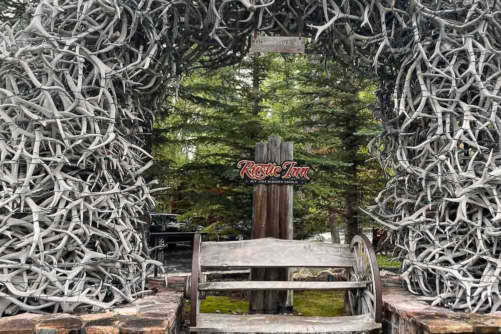 Jackson Hole Travel Guide Rustic Inn Antler Arch