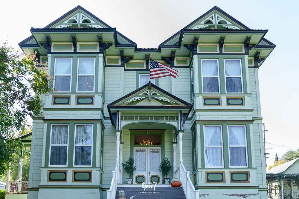 Royal Olive Manor Bed and Breakfast Sonora California