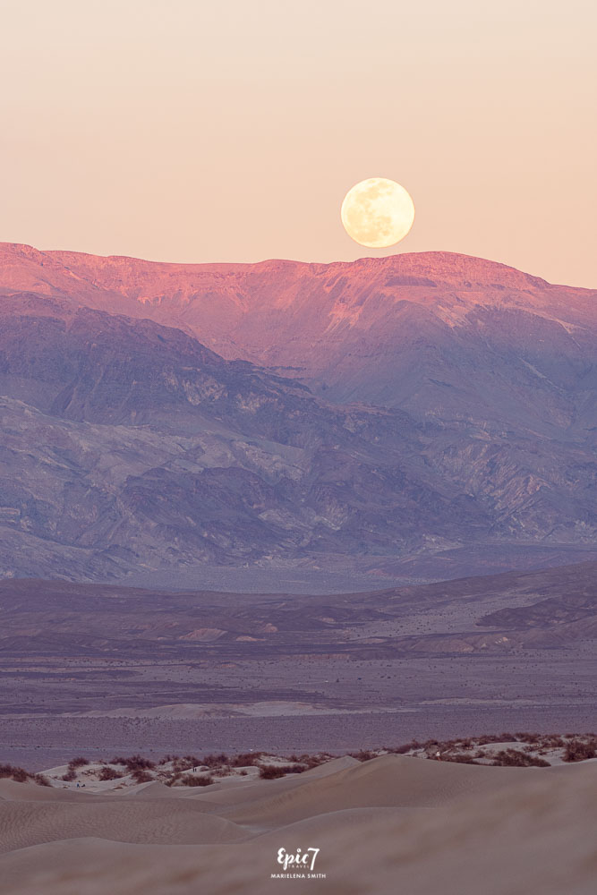 Death Valley Hikes Mesquite Dunes Moonrise